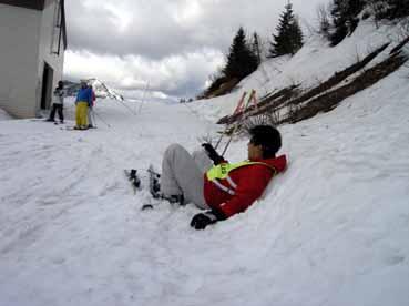 志賀高原スキー03こける.jpg