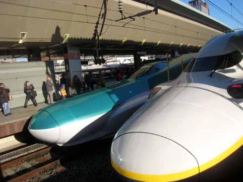 新幹線はやぶさ01.jpg